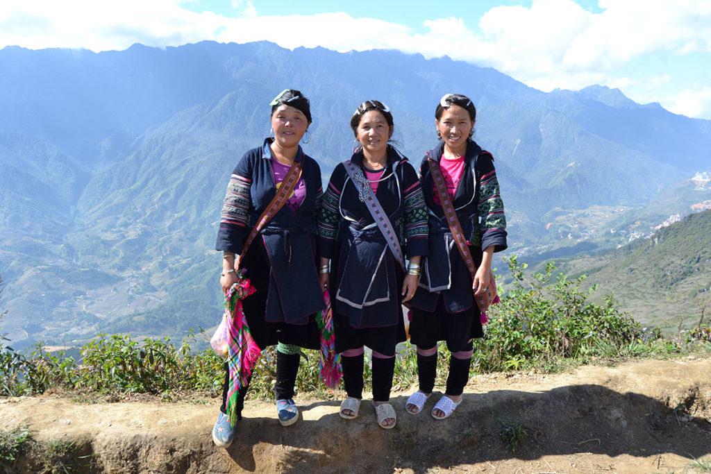 Жени от племето Хмонг
