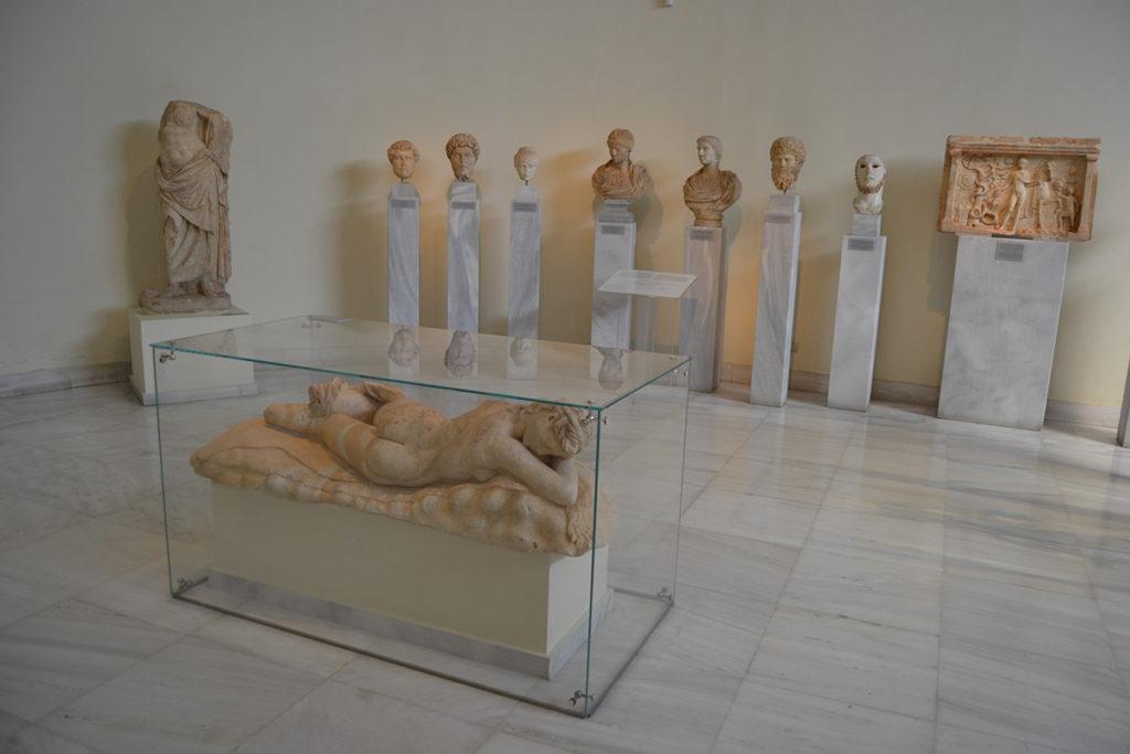 Една от залите на националния археологически музей в Атина
