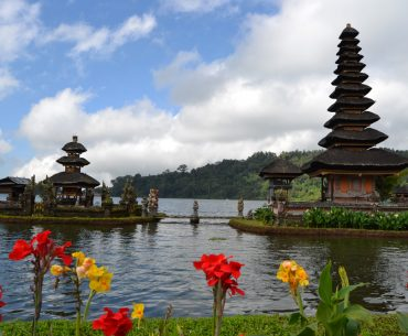 Храмът Пура Братан в Бали
