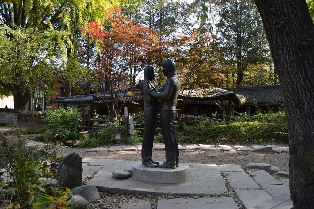 """A statue of the characters from """"Winter Sonata"""""""