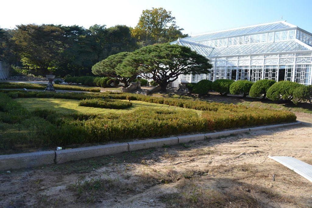 Голямата оранжерия в двореца Changgyeonggung