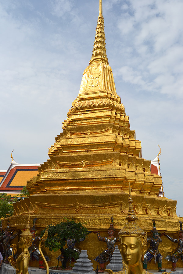 Golden Chedi of Wat Phra Kaew
